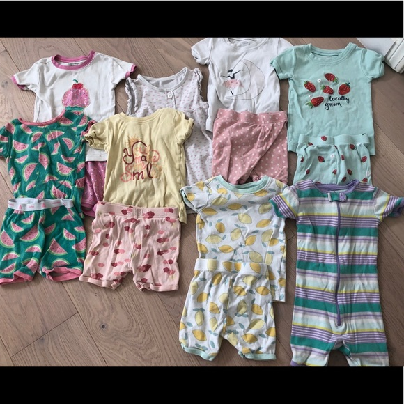 GAP Other - Bundle of adorable 2T girls pajamas